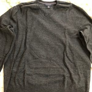 Banana Republic grey sweater. XL